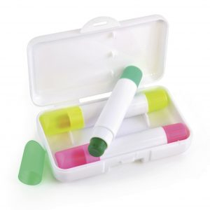 Unique wax crayon highlighter set with three crayon highlighters. Made with long lasting wax, with a 5 year shelf life. Highlighters in pink, yellow and green, supplied in white plastic gift box.