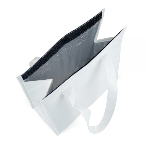 60gsm non-woven cooler bag, with foil interior and black Velcro close seal. Available in white with black Velcro.
