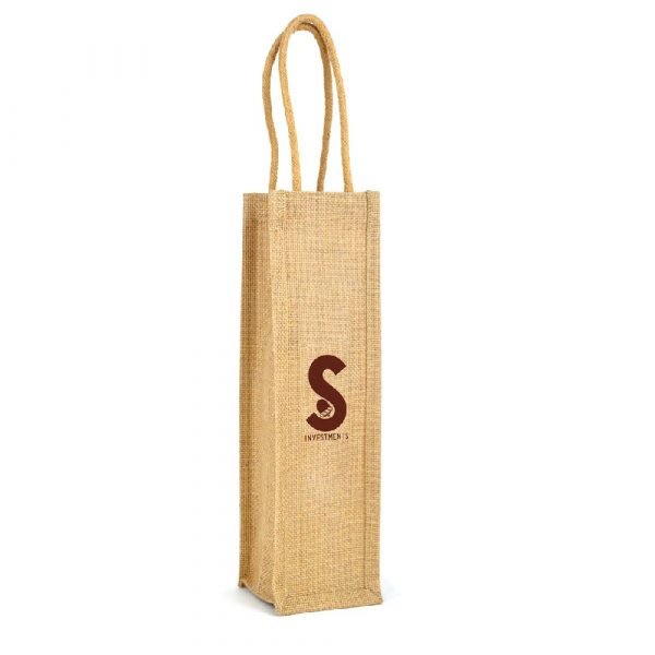 An eco-friendly jute bag with handles. To fit 1 bottle of 750ml wine.