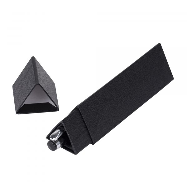 A deluxe version of our Triangular gift box, with silky interior and leatherette finish.