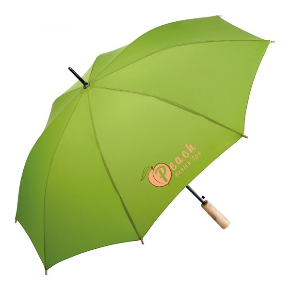 Attractively priced sustainable automatic regular umbrella with cover made of recycled plastic.